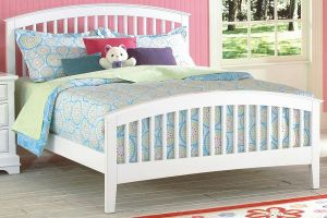 New Classic Bayfront Panel Bed with Headboard, Footboard, and Rails