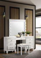 New Classic Valentino White Vanity and Mirror